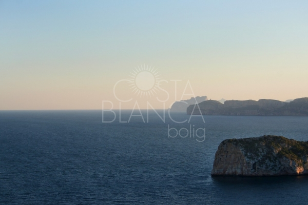 The advantages of buying a property on the Costa Blanca South