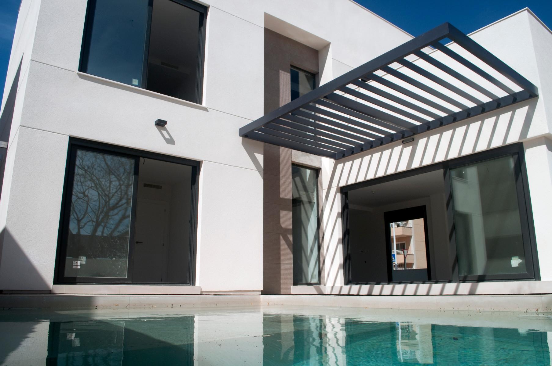 3 bed Villa in La Marina image 2