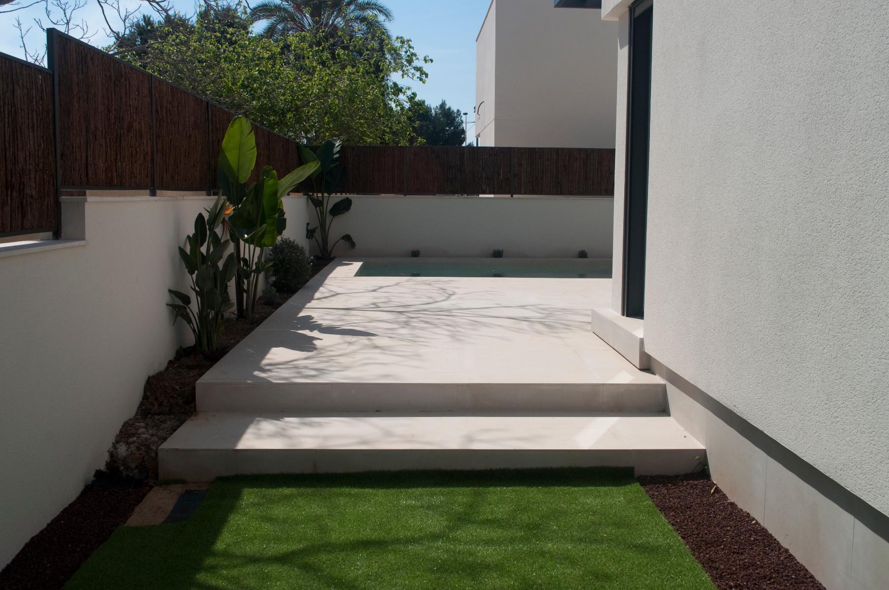 3 bed Villa in La Marina image 3