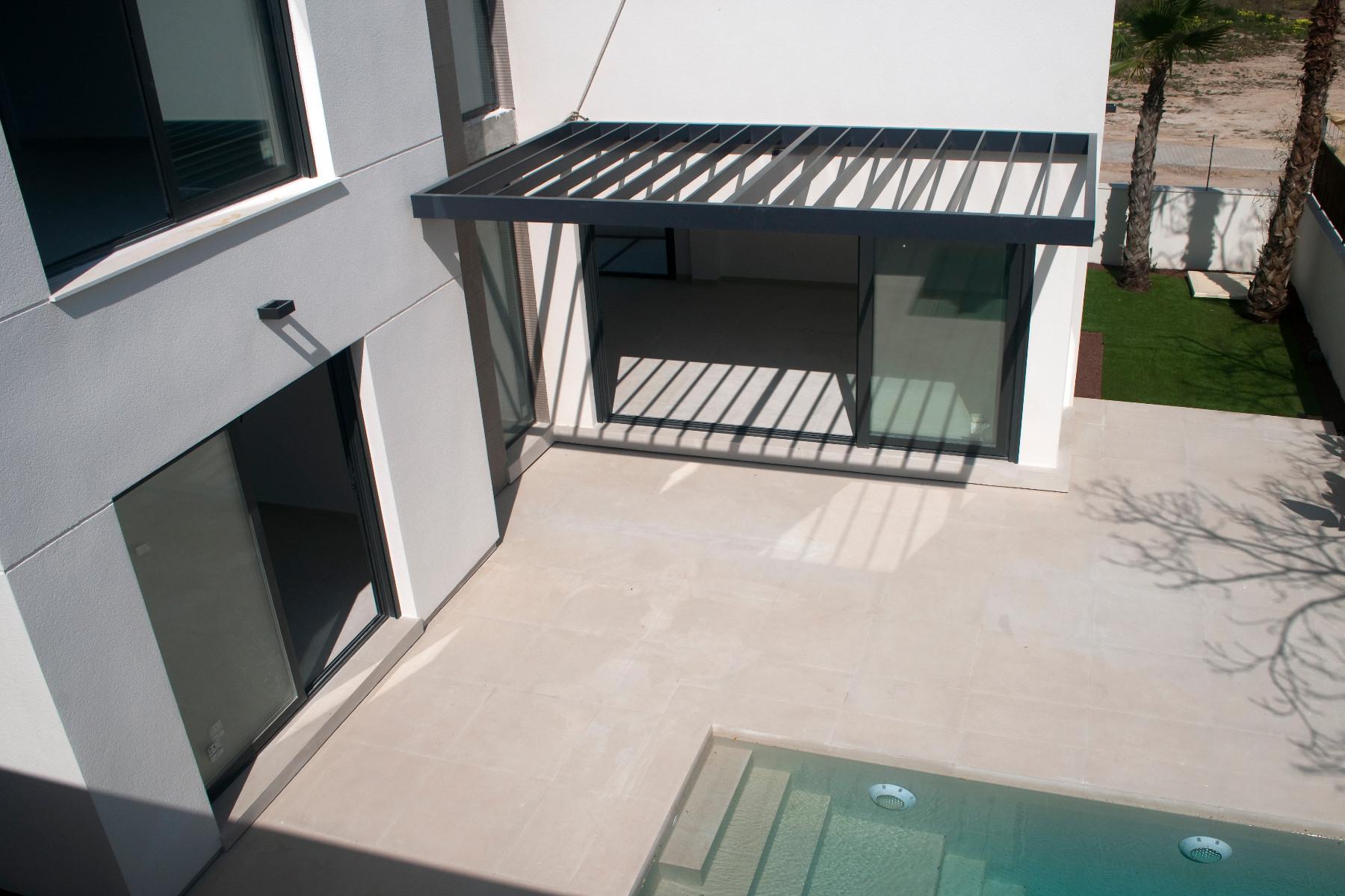 3 bed Villa in La Marina image 6