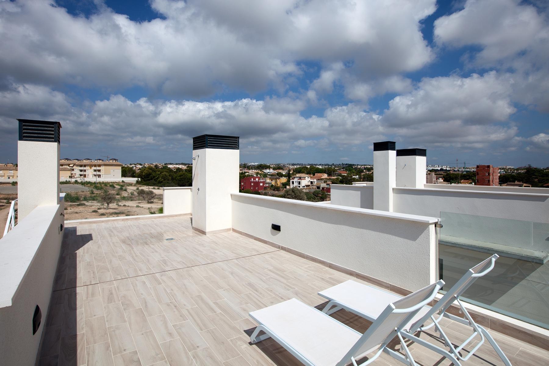 3 bed Villa in Cabo Roig image 26