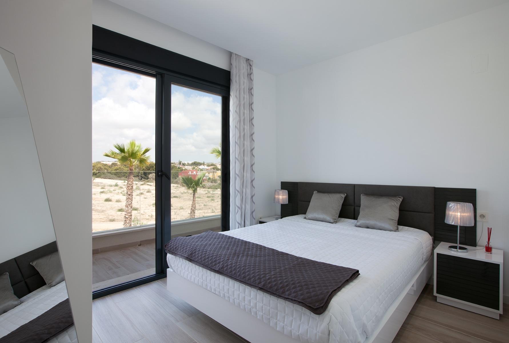 3 bed Villa in Cabo Roig image 15