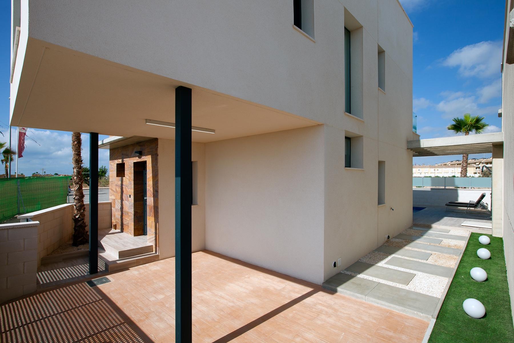 3 bed Villa in Cabo Roig image 29