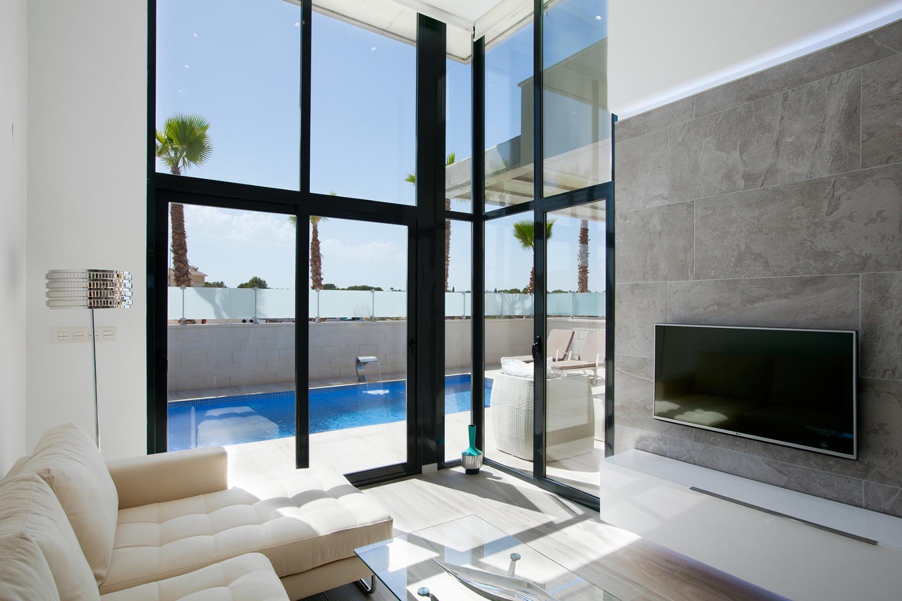 3 bed Villa in Cabo Roig image 6