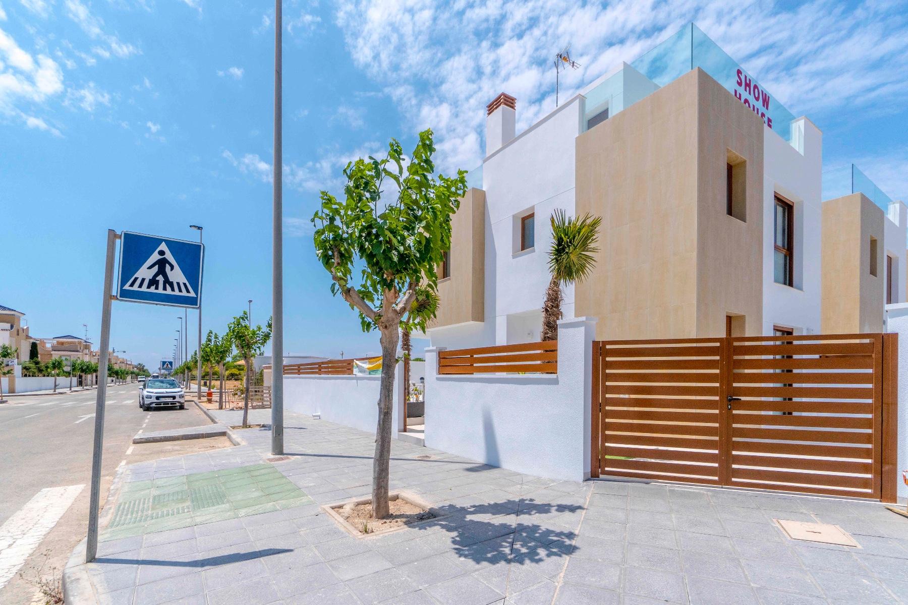 3 bed Villa in Pilar de La Horadada image 37