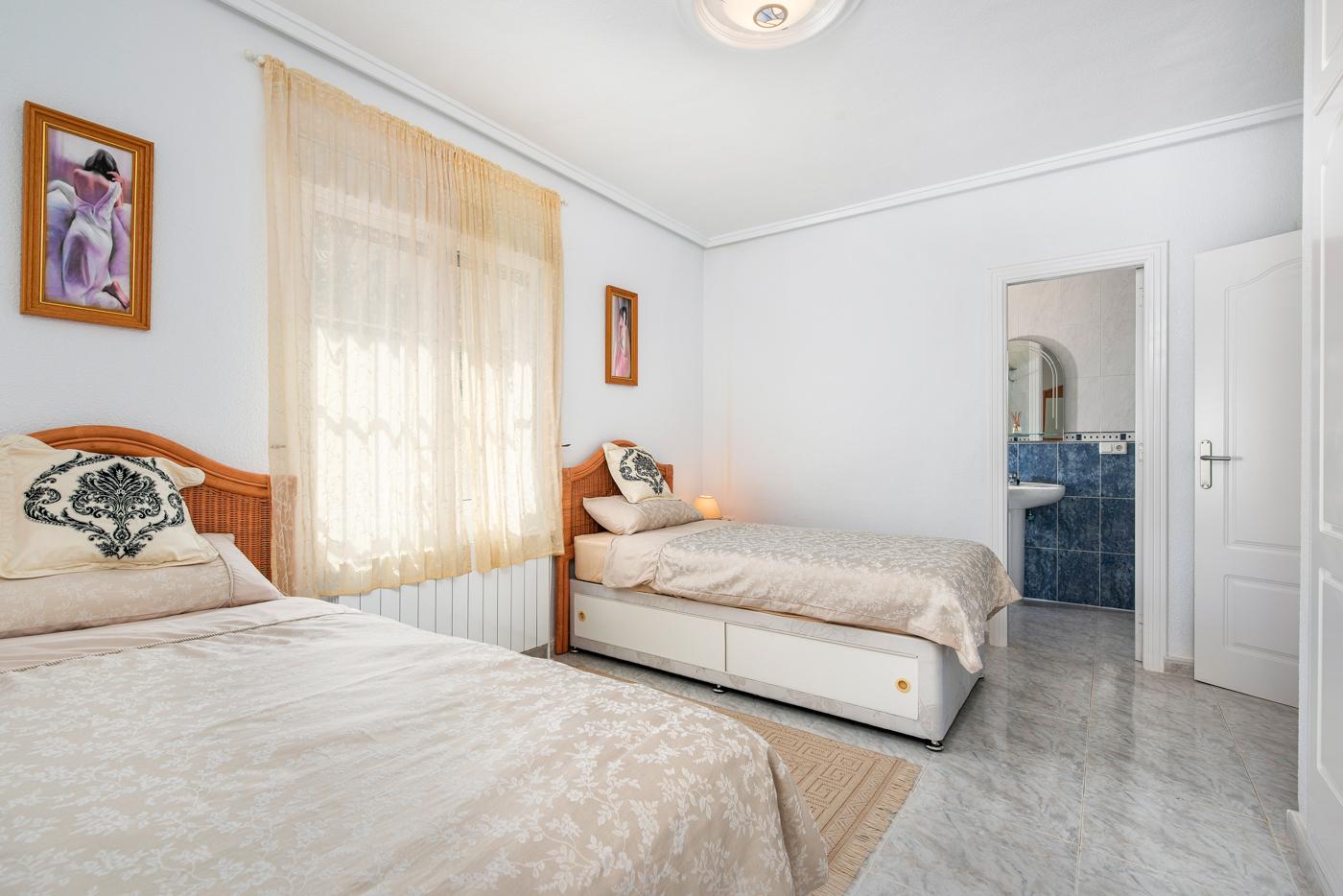 5 bed Villa in Ciudad Quesada - Rojales image 21