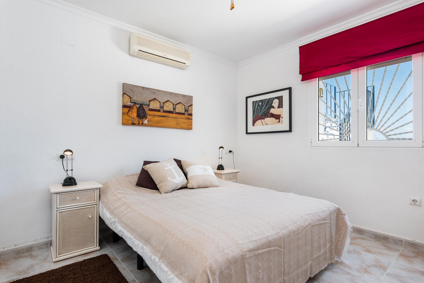 4 bed Villa in Ciudad Quesada - Rojales image 12