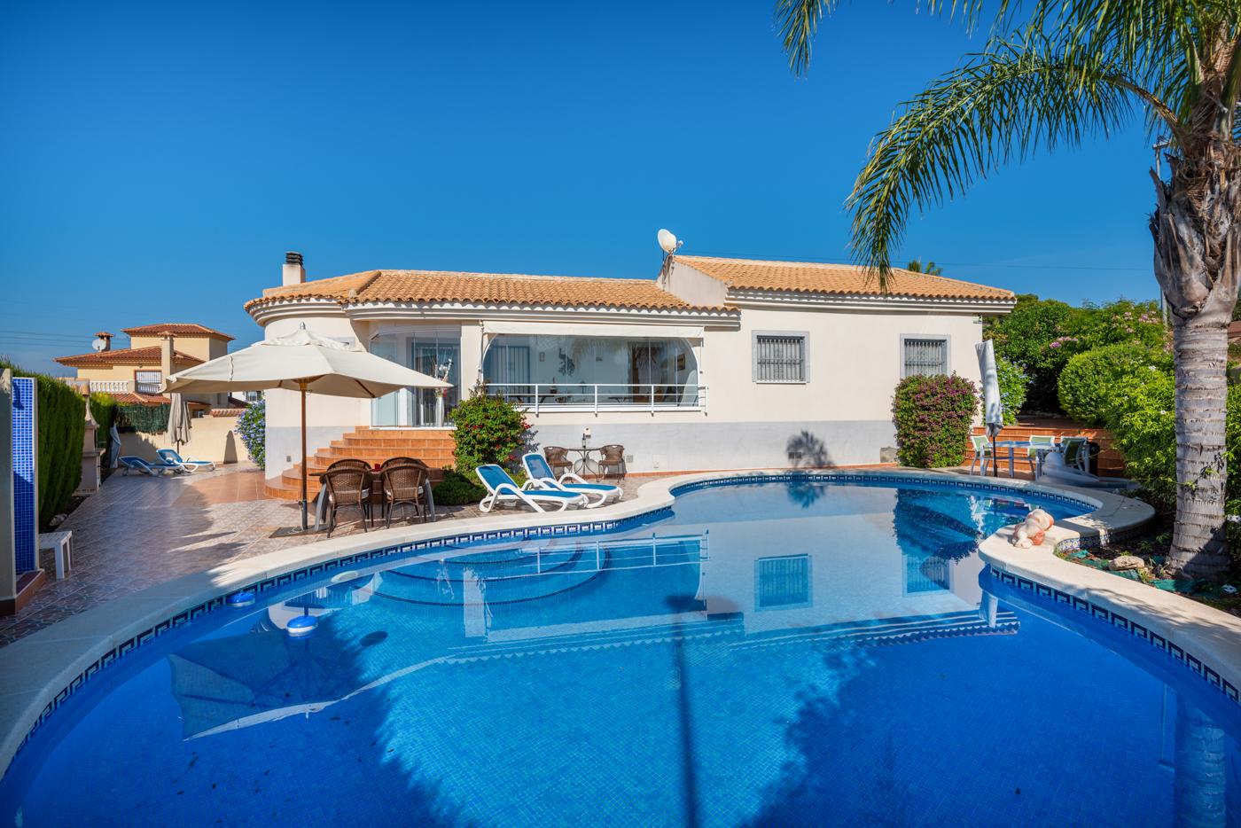 Ref:KT-52106 Villa For Sale in La Marina